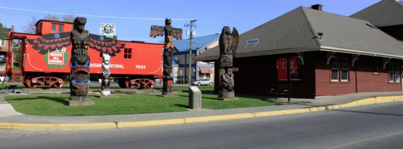 "Come to Duncan BC, ""The City of Totems"" on Vancouver Island"